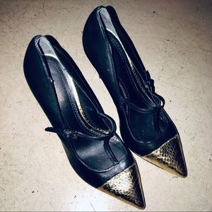 Pour La Victoire Black and Gold Mary Janes sz 10